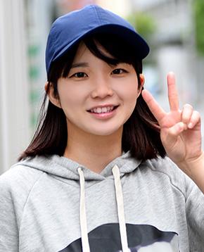 FANZAライブチャットに出演中のAV女優チャットレディ佐藤りこ