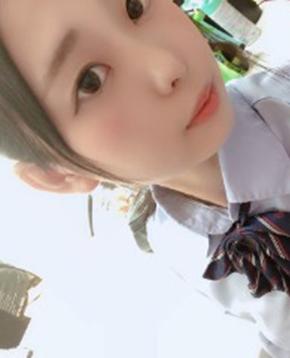 エンジェルライブに出演中のAV女優チャットレディ瀬川ゆうみ